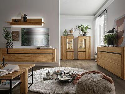<strong>Obývacie steny </strong>masív, dyha, kombinácia / solitéry