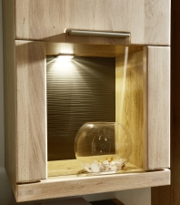 Obývací a jídelní nábytek BASE_detail zadní strukturované plochy u vitrin_obr. 12