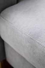 Detail standardního švu v látce Vintage platin_obr. 12