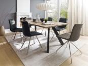 Jídelní stůl BOZEN v interieru_dub bělený masiv_podnoží lak ANTIK černý_obr. 1