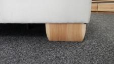 Sedací souprava CANTARA_detail masivních dubových nohou_obr.8