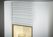 Obývací nábytek CAPE W_detail strukturované přední plochy a zadní viditelné desky u vitriny_obr. 11