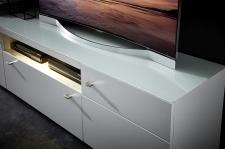 Obývací nábytek CAPE_detail TV-spodního dílu_snímatelné skleněné desky_obr. 12