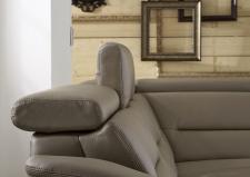 Kožená sedací souprava COMET_kůže Vivre stone_detail polohovatelných opěrek hlavy_obr. 37