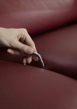 Kožená sedací souprava COMET-L_detail ovladače manuální funkce polohování sedadel_obr. 58