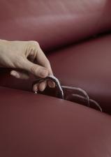 Kožená sedací souprava COMET-L_detail ovladače manuální funkce polohování sedadel_obr. 59
