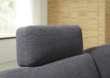 Sedací souprava DAKOTA 3400_detail volně umístitelné opěrky hlavy_v látce Trend stone