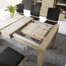 Celomasivní dubový nábytek DELGADO_detail rozkládací funkce u jidelního stolu_obr. 38