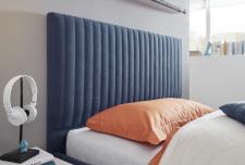 Čalouněná postel ESPERO modrá_detail_hlavový díl pruhovaný_obr. 11
