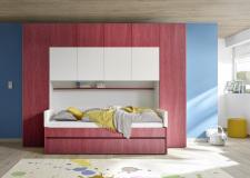 """Dětský a studenstký nábytek ESPERO (červená varianta)_skříňový """"most"""" nad postel 310x234 cm_postel 90 cm s čalouněným dílem a zásuvkou_regálová police_typy 676602-70_626602-90_626602-TP90_626602-L90_626602-C90_676602-33_obr. 8"""