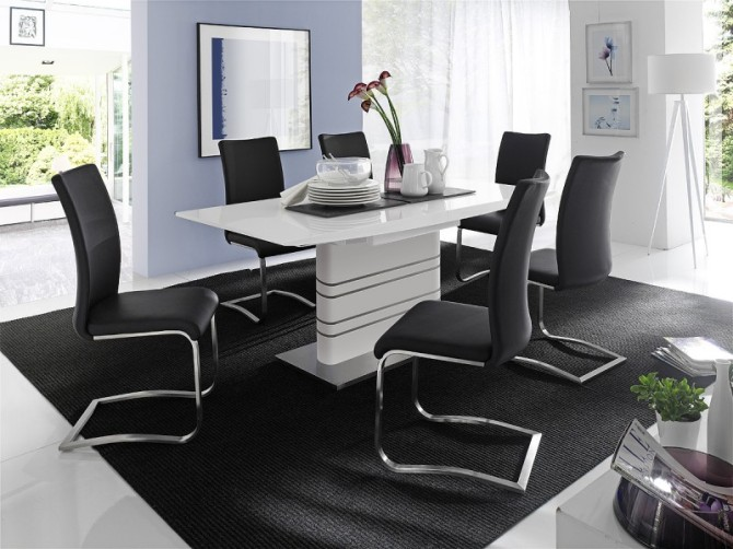 Jedálenská stolička CORA I.