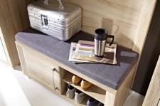 Předsíňový nábytek GIP - detail botníku a lavice na sezení