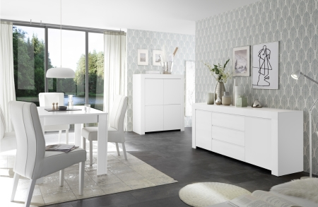 Volná sestava elementů CASTELLO bílý matný lak_highboard 4dv. + sideboard 2dv. 3zsk. + jídelní stůl 137 cm_obr. 3