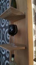 Obývací nábytek ALIVIO_ detail závěsného regálu_ boční pohled_ foto prodejna_ obr 12