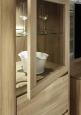 Obývací a jídelní nábytek DENVER_detail předních ploch vitrin_dub bianco masiv