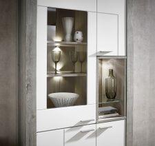 Obývací a jídelní nábytek GRACE white _ detail vitríny_  obr. 25