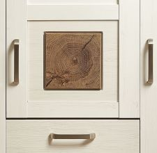 """Obývací a jídelní nábytek TOULON_ detail dekorativní aplikace """"Hirnholz"""" a úchytky_ obr. 06"""