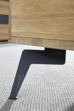 Obývací nábytek AUCKLAND_detail nožiček u konferenčního stolku_obr. 14