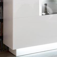 Sideboard DALTON_detail_se spodní soklovou světelnou lištou_obr. 11