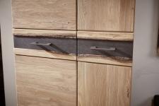Předsíňový nábytek CROWN_detail ozdoby - okrajového profilu stromu_obr. 6