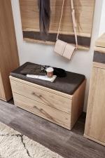 Předsíňový nábytek CROWN_detail lavice s sedacím polštářem_obr. 7