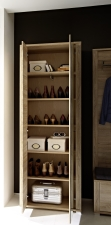Předsíňový nábytek GIP_ detail vnitřního uspořádání šatní skříně s možností vyjmutí 4 polic _obr. 9