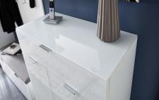Předsíňový nábytek QUICK_detail horní desky s bílým sklem_obr. 6