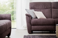 Sofa 3sed TAMPA 3611_  (1,5sed medium AL - 1,5sed medium AR)_detail_přední pohled_studiové foto_obr. 4