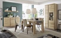 Ukázka možné sestavy nábytku do jídelny TERANO_vitrina, sideboard s policí a jídelní stůl_obr. 1
