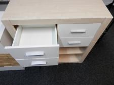 Zásuvková skříňka s regálem NEMO_foto prodejna_obr. 2